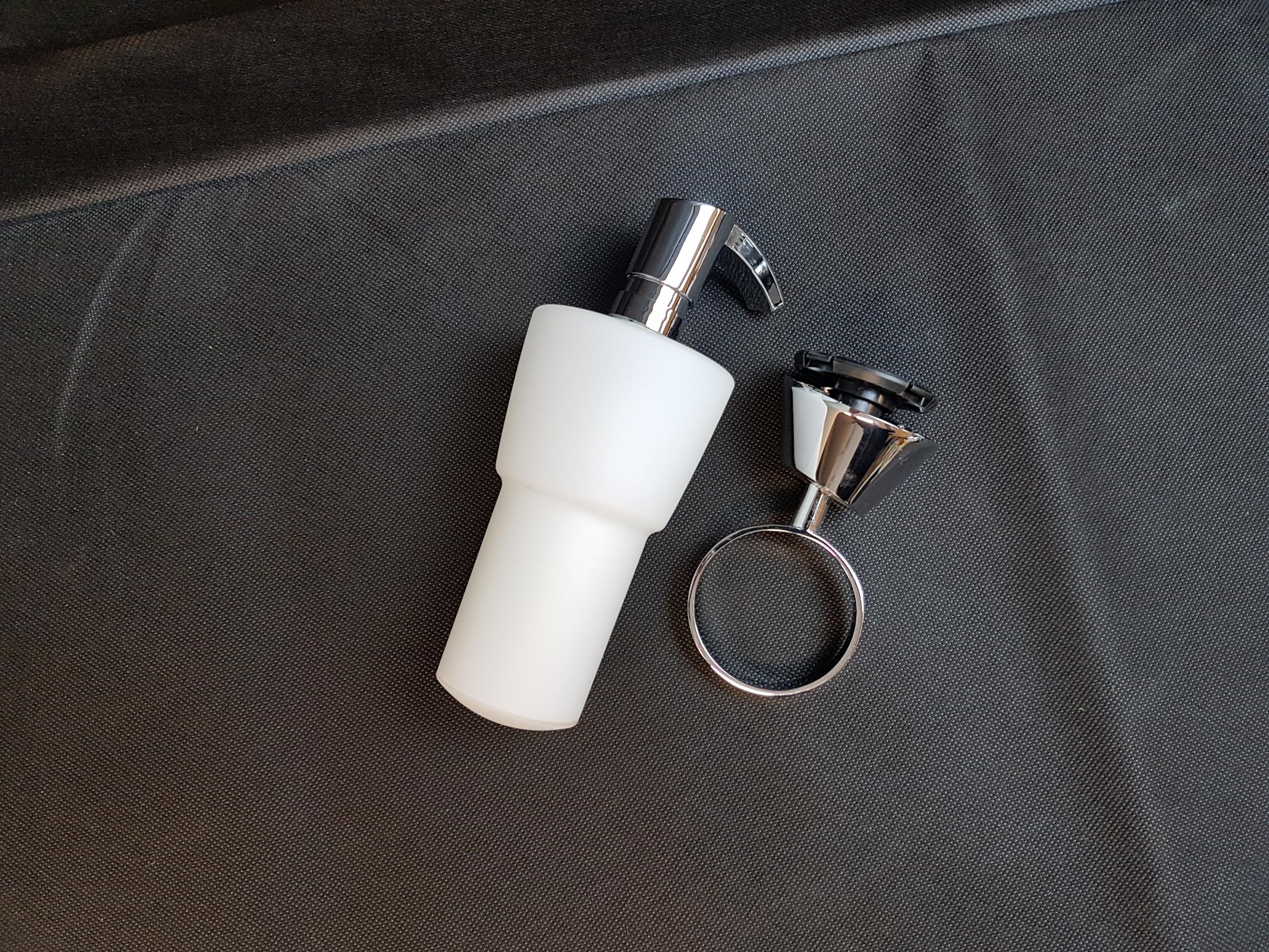 sanitaer seifenspender aus glas b ware. Black Bedroom Furniture Sets. Home Design Ideas